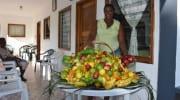 Edna's Obststand auf La Digue Seychellen